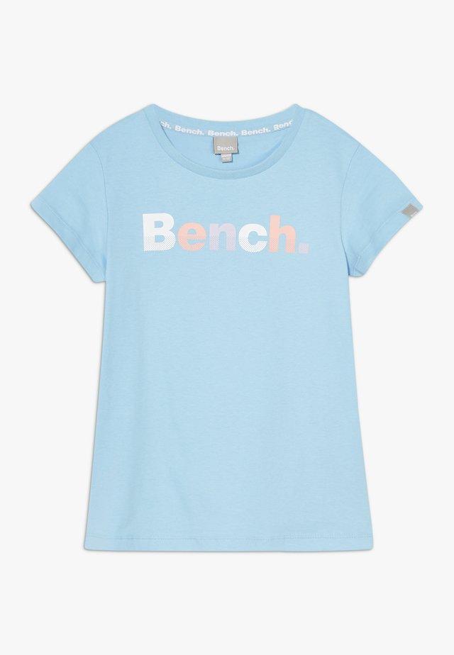 CARISSA - T-shirts med print - light blue