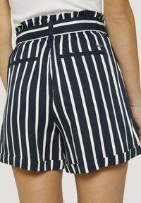 TOM TAILOR DENIM - RELAXED - Shorts - navy white stripe - 5