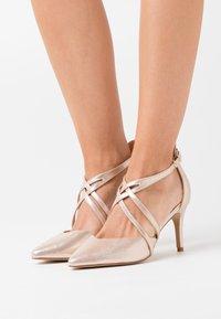 Wallis Wide Fit - WIDE FIT WINTERBERRY - High heels - beige shimmer - 0