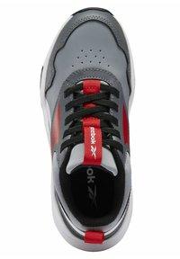 Reebok - XT SPRINTER 2.0 ALTERNATE ENERGY DRIVERS RUNNING - Sneakers basse - grey - 2