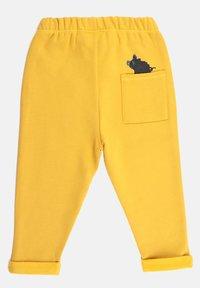 Little Boar - Tracksuit bottoms - yellow mellow - 1