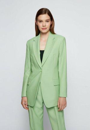 JEMARA - Short coat - open green