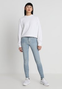 Weekday - HUGE CROPPED - Sweatshirt - white - 1