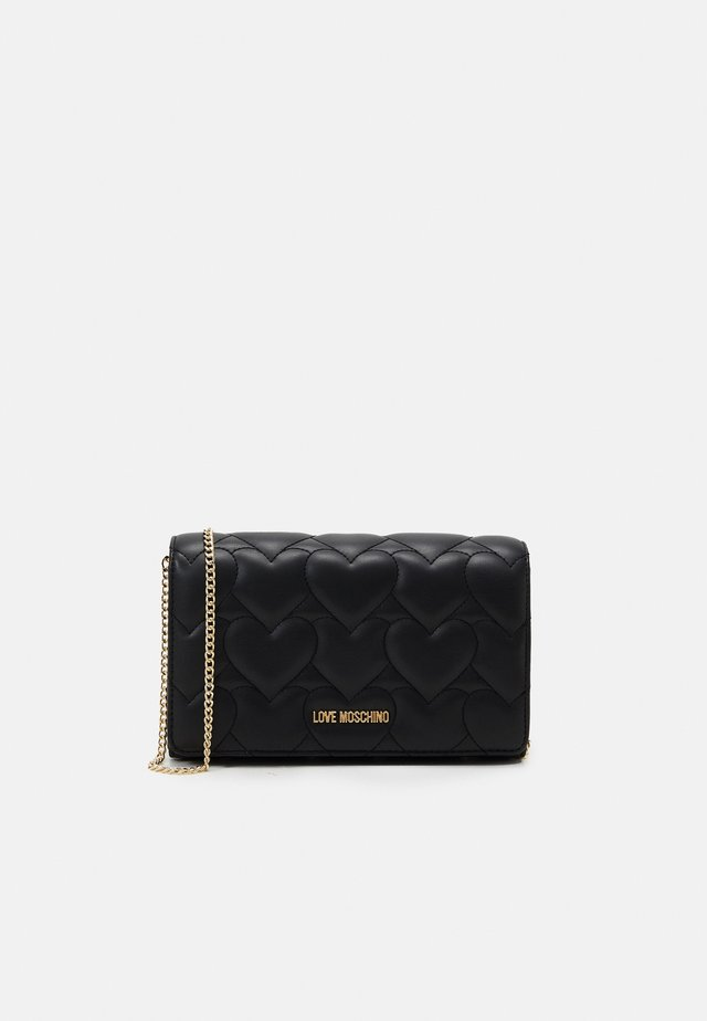 HEART QUILTED CROSSBODY - Schoudertas - nero