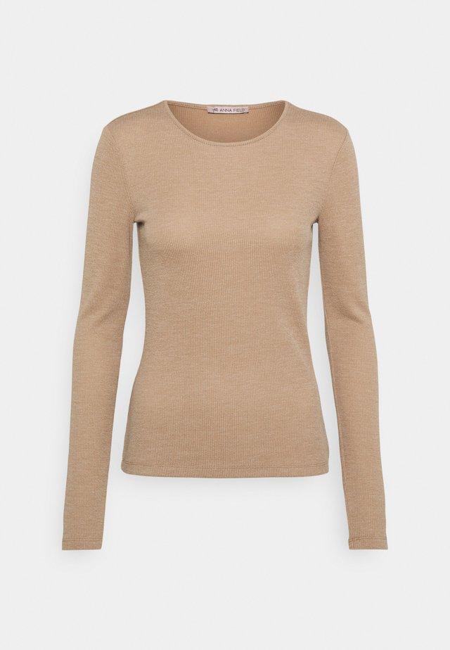 Long sleeved top - mottled beige