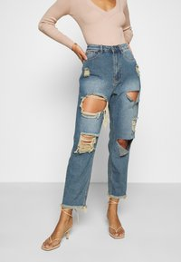 Missguided Petite - RIOT HIGH RISE RIPPED MOM AUTHENTIC - Jean boyfriend - blue - 0