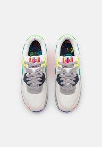 Nike Sportswear - AIR MAX 90 - Baskets basses - pearl grey/sport turqouise/summit white/black/solar red/lemon - 4
