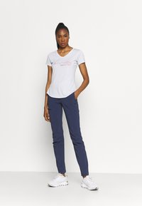 Columbia - TRINITY TRAIL™ II GRAPHIC - T-shirt con stampa - white - 1