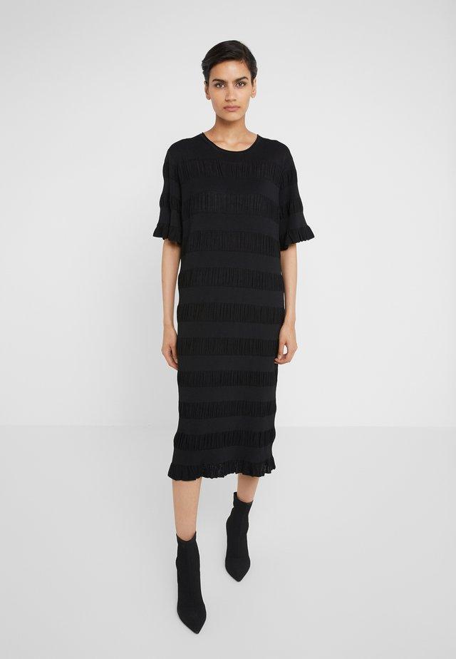 HELOSIS - Gebreide jurk - black