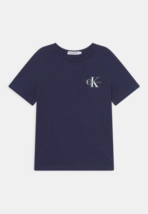 CHEST MONOGRAM UNISEX - Print T-shirt - peacoat