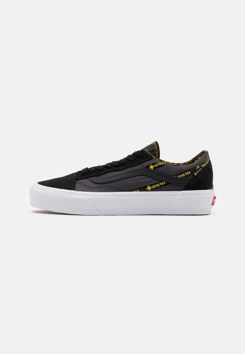 Vans - OLD SKOOL GORE-TEX UNISEX - Trainers - black/lemon chrome