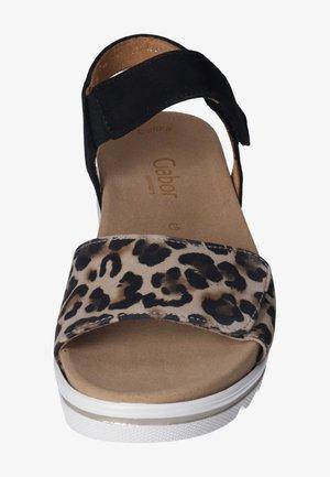 Sandály na klínu - natur/schwarz