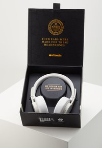 Urbanista - SEATTLE BLUETOOTH - Headphones - fluffy white - 3
