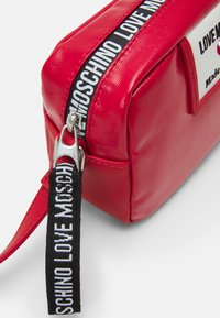 Love Moschino - Across body bag - red - 3