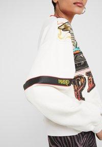 Pinko - SENAPE MAGLIA FELPA DI COTONE - Sweater - bianco biancaneve - 5