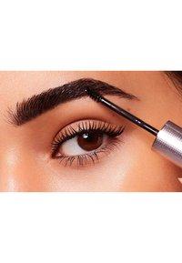 L'Oréal Paris - UNBELIEVA'BROW LONGWEAR TOPCOAT - Eyebrow gel - transparent - 4