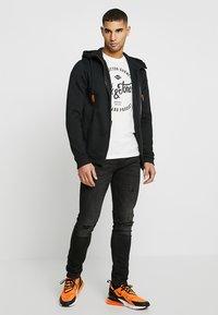 Jack & Jones - JJERAFA - T-Shirt print - cloud dancer - 1