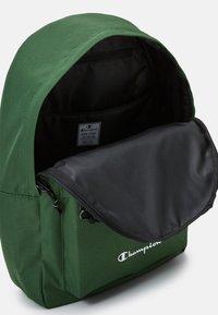 Champion - LEGACY BACKPACK - Ryggsekk - dark green/black - 3