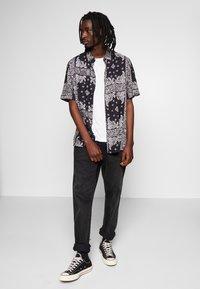 Burton Menswear London - Overhemd - black - 1
