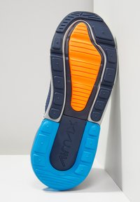 Nike Sportswear - AIR MAX 270 UNISEX - Sneakers laag - wolf grey/total orange/midnight navy/photo blue - 4