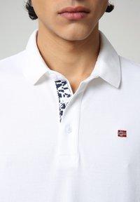 Napapijri - EOLANOS - Polo shirt - bright white - 2