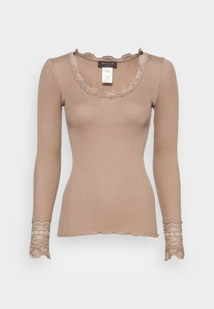 Long sleeved top - clay