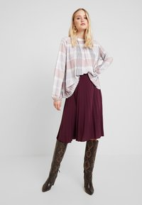 Anna Field - Plisse A-line mini skirt - A-Linien-Rock - winetasting - 1