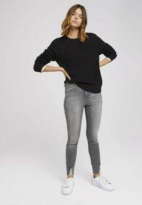 TOM TAILOR DENIM - JANNA - Jeans Skinny Fit - used mid stone grey denim - 1