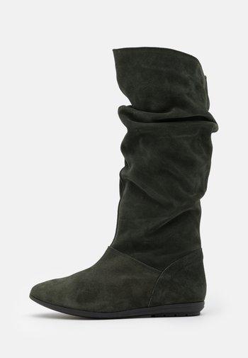 Vysoká obuv - pino