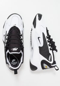 Nike Sportswear - ZOOM  - Trainers - white/black - 2